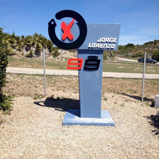 Monumento curva Jorge Lorenzo